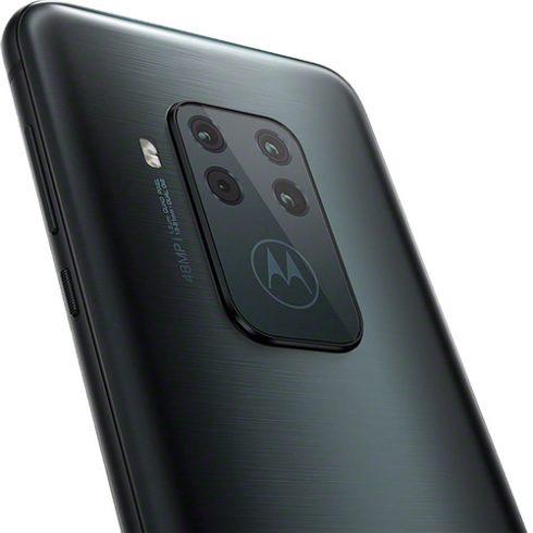 preço do Motorola One Zoom nos EUA